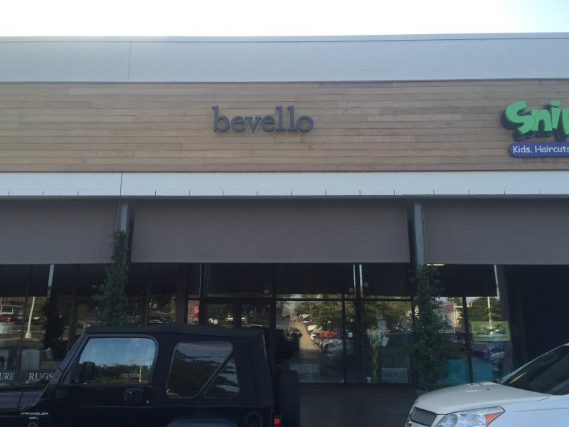 Bevello Sign