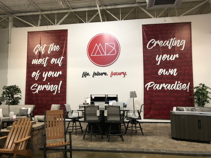 Interior Retail Marketing Display - MODERN BACKYARD