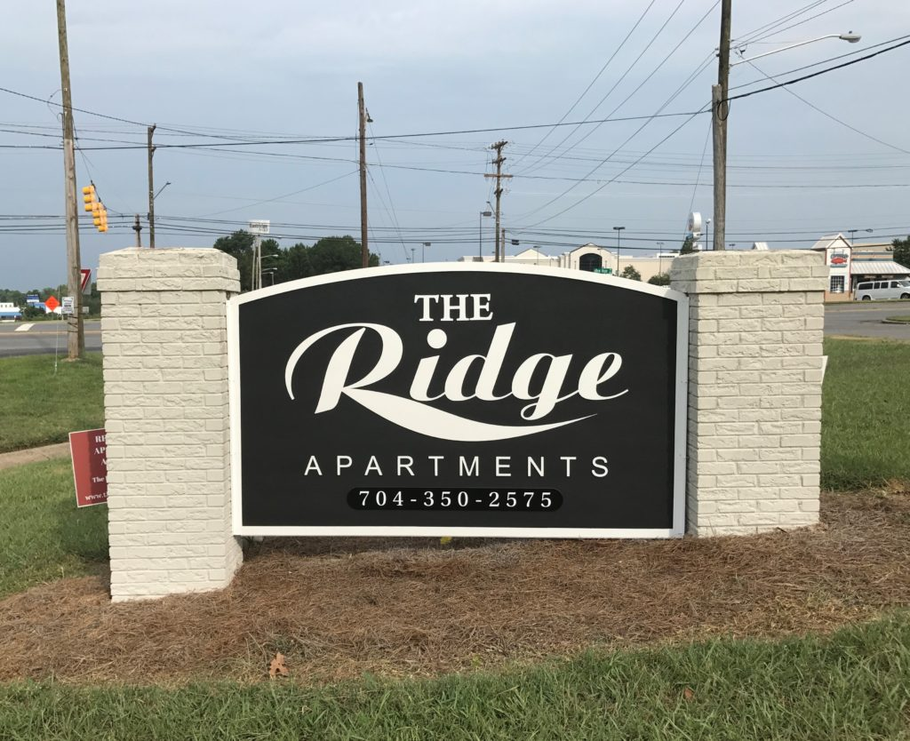 business signs, signs nc, signs charlotte, signs gastonia, monument signs, sign refurbishment, sign renovations, sign replacements, hdu signs, sand blasted signs, logo signs, business signs, outdoor signs, street side signs,